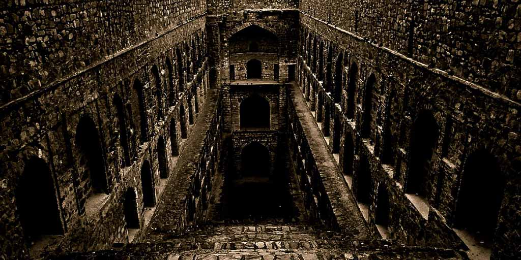 best places to visit in Delhi - Agrasen Ki Baoli