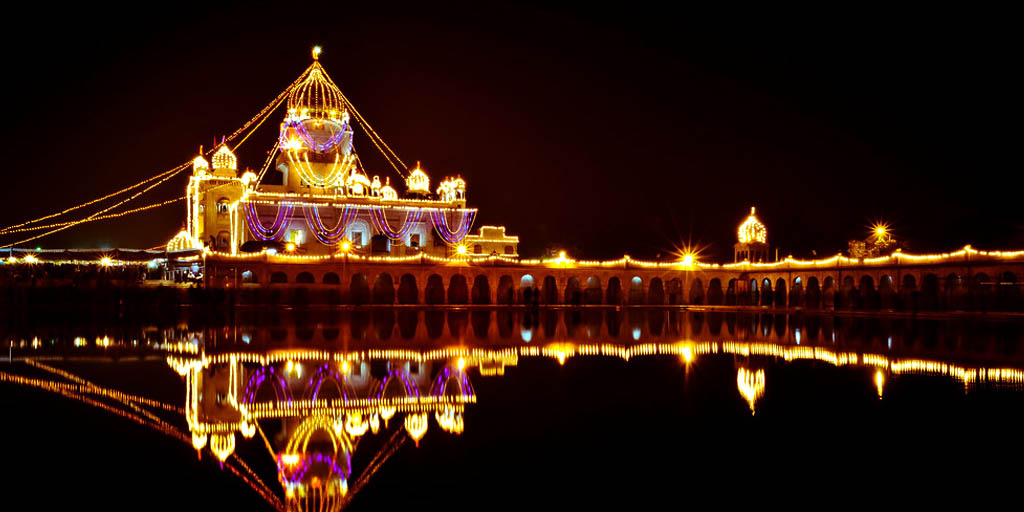 Delhi points of interest - Bangla Sahib