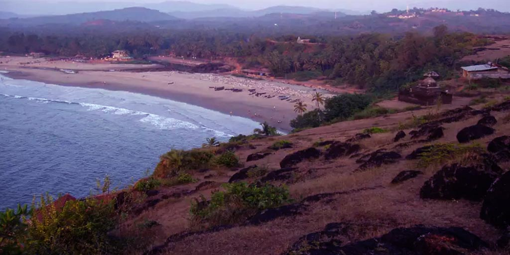 best tourist places in Karnataka, Gokarna – The Five Splendid Beaches